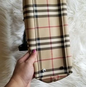 Burberry Bags - EUC classic vintage Burberry large tote